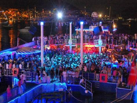 catamaran beach bodrum catamaran disco