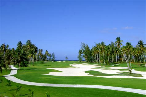 White Bedroom Suite moorea green pearl golf resort tahiti society islands