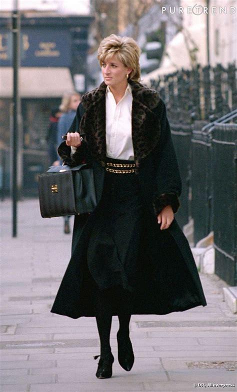 Kaos Diana princess diana walking the with bag open fashion what royals wear 1