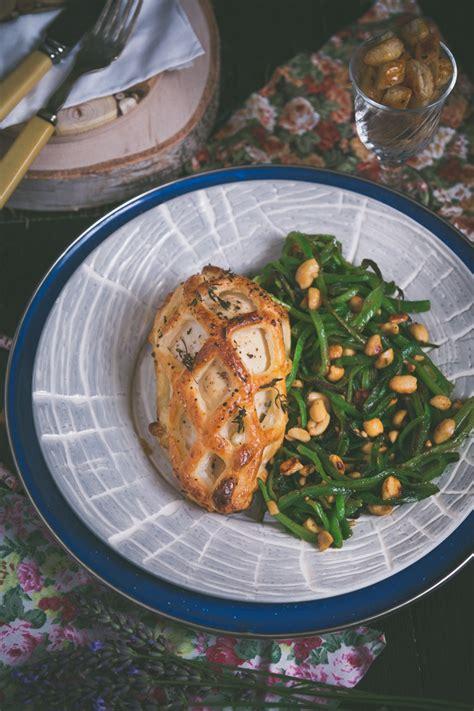 pollo in gabbia pollo ripieno in gabbia in cucina