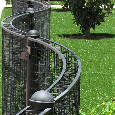 Curved Fence Top Trellis Freestanding Trellis Fence Curved Greenscreen Caddetails