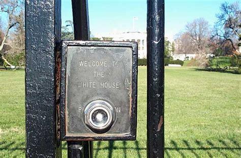 Pin Front Gate Of Urumqi No1 High Schooljpg Wikipedia The Front Door Bell