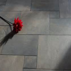 Colors To Make A Bathroom Look Bigger 40 Grey Slate Bathroom Floor Tiles Ideas And Pictures
