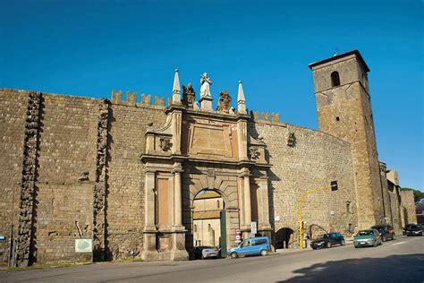 viterbo porta romana viterbo profondo centro mete e itinerari la vacanza