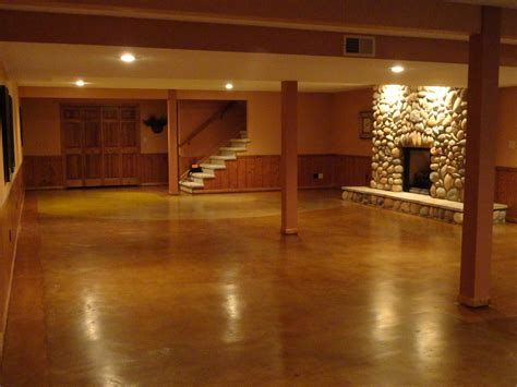 painting designs on concrete floors with epoxy in basement