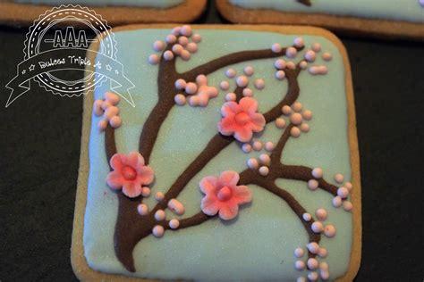 receta de galletas para decorar con glasa o fondant galletas decoradas con glasa real flor del cerezo y flor