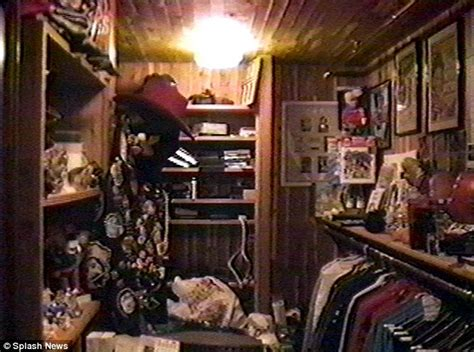 Michael Jackson Room by Michael Jackson S Secret Underage Closet Revealed In