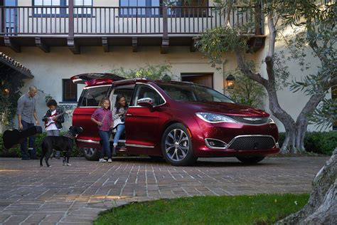 Chrysler Pacifica Mpg by 2017 Chrysler Pacifica Epa 18 28 Mpg With V 6