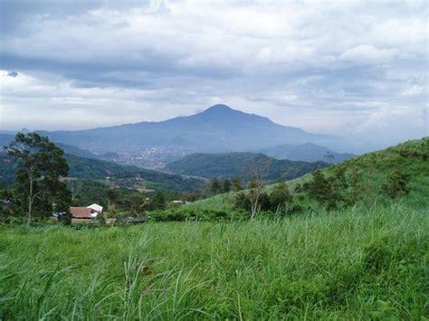 gunung tampomas wikipedia bahasa indonesia ensiklopedia