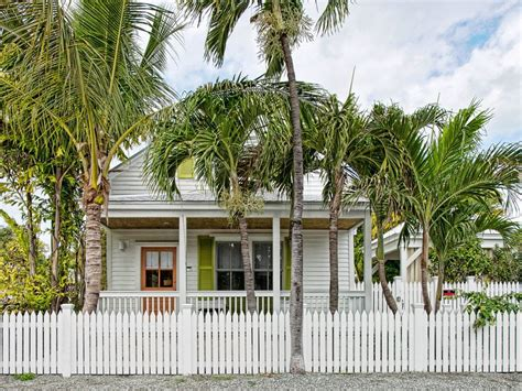 A Pea Cottage Key West a pea s cottage near duval yet with the