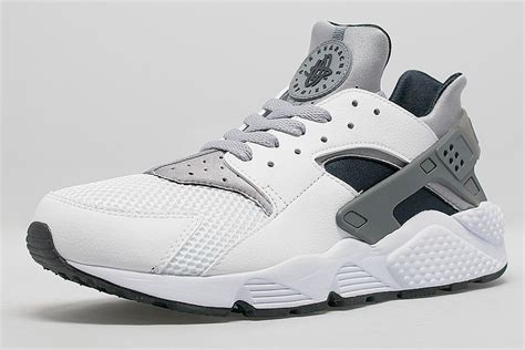 nike air huarache wolf grey white
