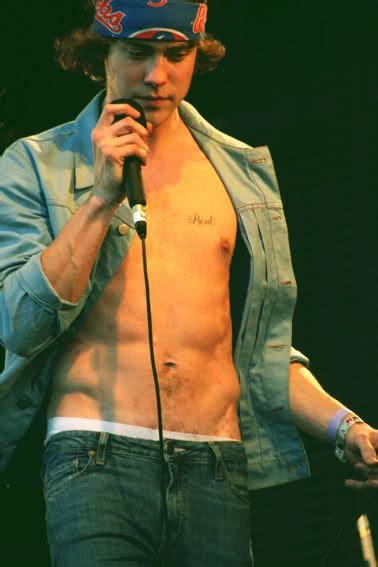 andrew vanwyngarden shirtless