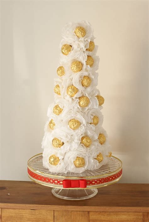 how to make a rocher christmas tree with 48 rocher chocolates diy ferrero rocher bouquet de chocolate trees trees and gifts