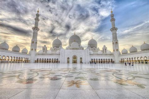 Abu Dhabi Tourist Places, Grand Mosque