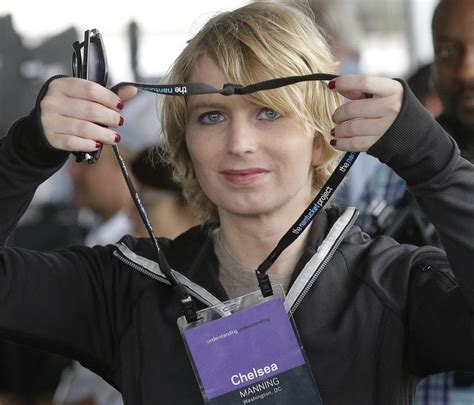 chelsea manning the day apexclusive chelsea manning says she not a