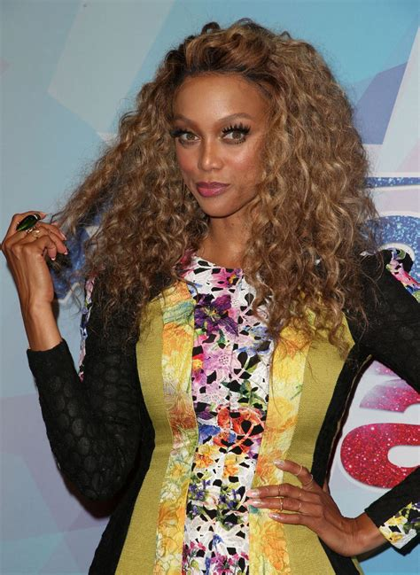 tyra banks tyra banks at america s got talent season 12 live show 08