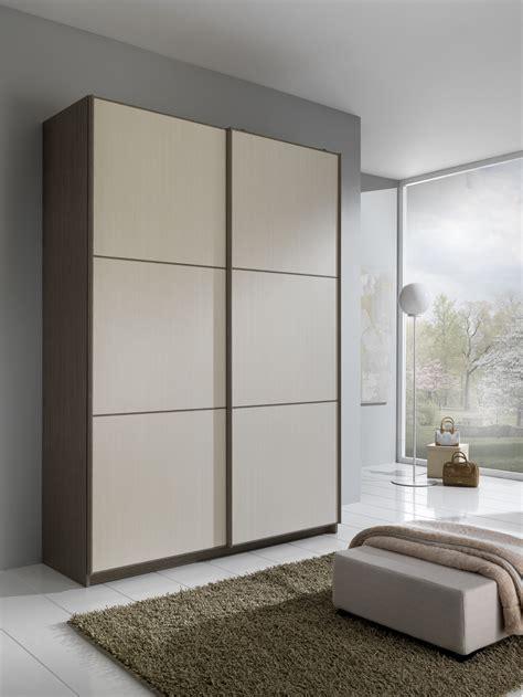 armadio anta scorrevole armadio due ante scorrevoli con quadroni fiores mobili
