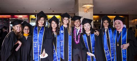 Ucla Mba Commencement 2017 by 2017 Ucla Fsph Commencement Jonathan And Karin Fielding