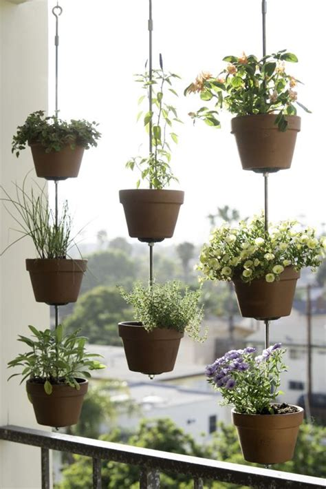 Hanging Flower Garden 25 Best Ideas About Hanging Flower Pots On Hanging Flower Baskets Container
