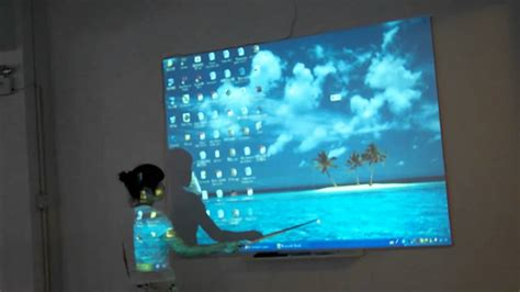 Proyektor Touchscreen interactive projector makes touchscreen with any interface