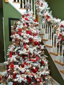 30 dreamy flocked christmas tree decoration ideas