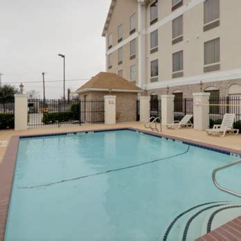 comfort inn suites waco tx comfort suites 17 photos 14 reviews hotels 2700 la