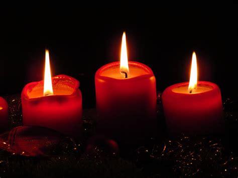 imagenes velas rojas encendidas descargar imagen gratis de tres velas rojas de navidad