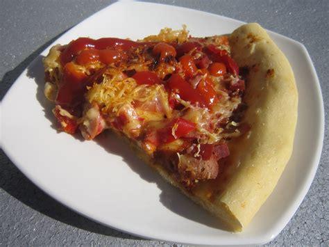 membuat adonan pizza lembut journal ibu hanif pizza dengan pingiran roti yang lembut