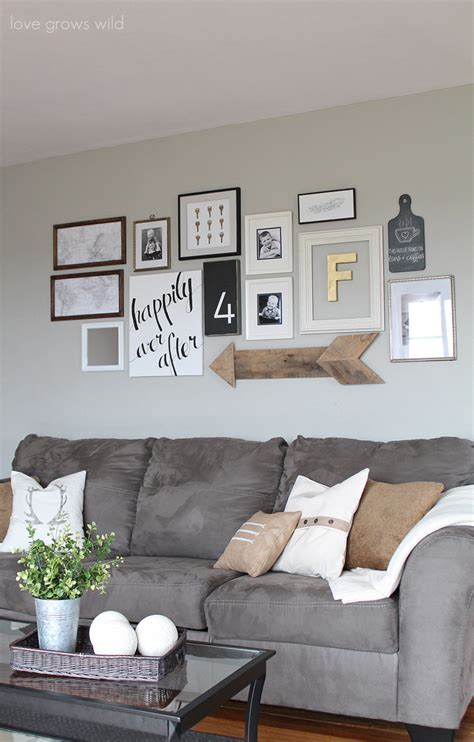 Creative Ways To Decorate Above The Sofa Little Vintage Nest How To Decorate Living Room With Sofa