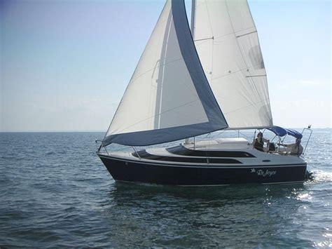 sailboat manufacturers macgregor sailboats macgregor 26 trailerable sailboats