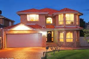 Small Home Builders Sydney A Tale Of Two Cities While Melbourne Buyers Ditch Small