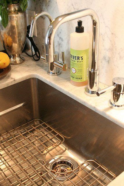 ten things to know about touch kitchen faucet reviews 6 things you need to know about undermount kitchen sinks
