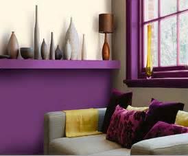 Ordinaire Chambre Couleur Prune Et Gris #2: la-peinture-pour-salon-decoration-salon-soubassements-peinture-couleur-prune-canape-vases-nuances-de-gris-choisir-sa-pour-tendance-comment-la-le-06071911-une-choix-un-201.jpg