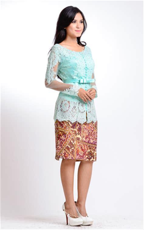 Rok Pendek Wanita Rok Kembang Batik Modern Cendrawasih Flare Skirt macam macam model kebaya untuk wisuda ali mustika sari
