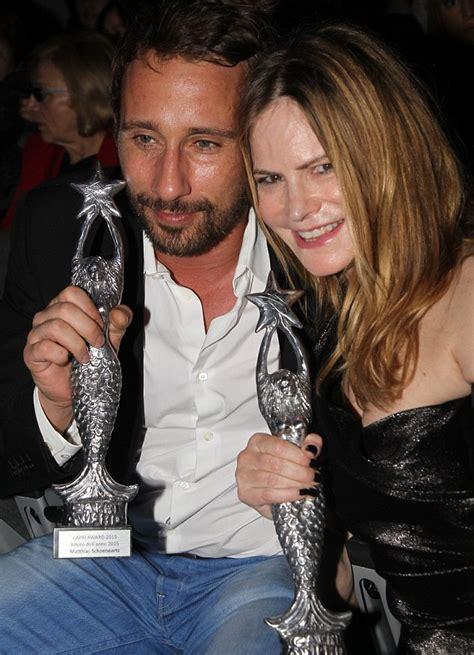 jennifer jason leigh best movies quentin tarantino s the hateful eight wins best movie at