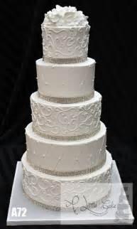 kuchen mit buttercreme buttercream wedding cakes a cake