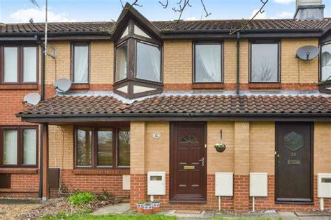 2 bedroom houses for sale in milton keynes 2 bed terraced house for sale in faraday drive shenley lodge milton keynes mk5