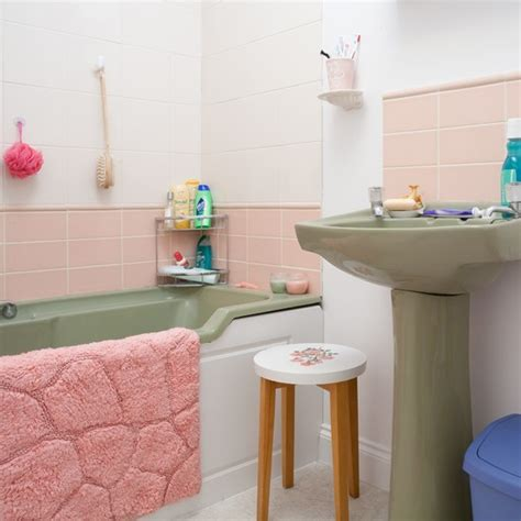 avacado bathroom salmon and avocado bathroom coronation street house tour