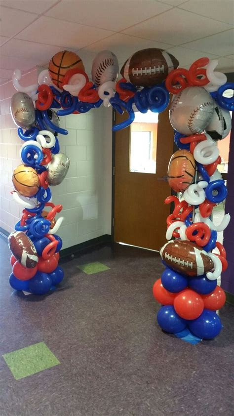 sports themed balloon decor best 20 sports banquet centerpieces ideas on