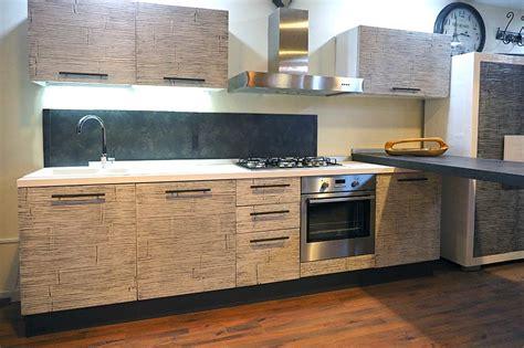 mobili da cucina italiana cucina crash bambu cucina moderna con ante in bambu