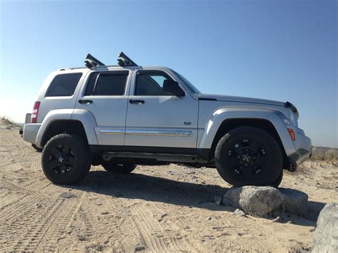 Jeep Liberty Tires Road Jeep Jeep Liberty And Road Tires On