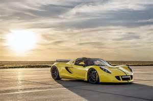 Venom Gt Bugatti Hennessey Venom Gt Spyder Beats Bugatti Becomes World S