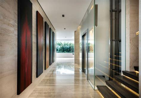 wandbilder flur naturstein fu 223 boden w 228 nde in der villa mistral in singapur