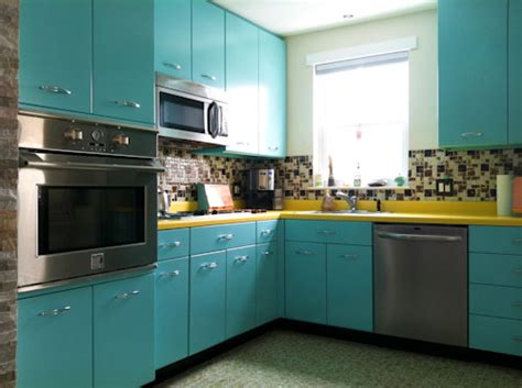 retro kitchen cabinets ann recreates the look of vintage metal kitchen cabinets