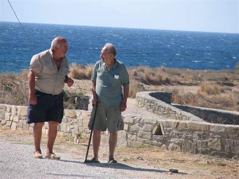 turisti per caso paros due parole tra uomini a paros viaggi vacanze e turismo