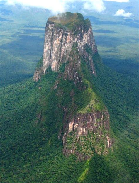 imagenes paisajes naturales de venezuela venezuela el cerro autana es un tepuy que se encuentra
