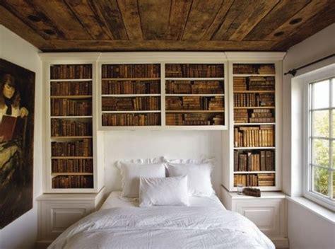 bett platzierung im schlafzimmer kreative ideen f 252 r die perfekte einrichtung der hausbibliothek