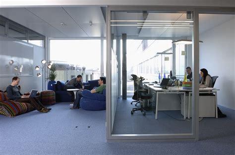 google z rich office slide to the canteen youtube オフィスというよりかはテーマパーク スイス チューリッヒにあるグーグルの革新に満ちたクリエイティブなオフィス その2