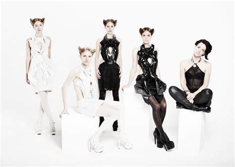 fashion design virginia tech comment anouk wipprecht va r 233 volutionner la mode