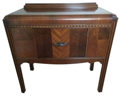 small 1940s waterfall dining buffet traditional